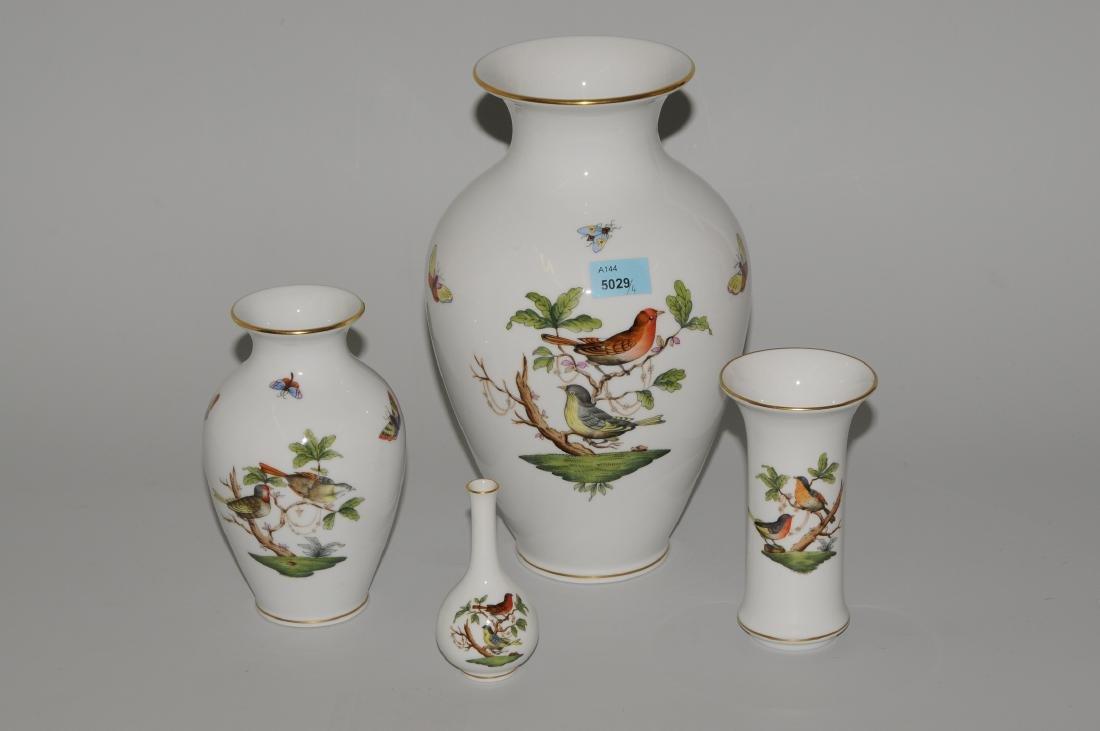 Lot: 4 Vasen, Herend Nach 1945. Porzellan, Dekor