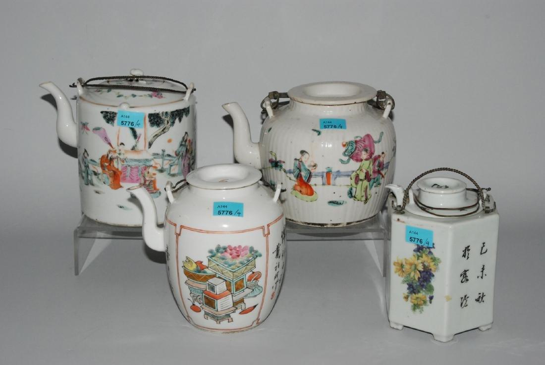 Lot: 4 Teekannen China, um 1900. Porzellan. Zwei Kannen