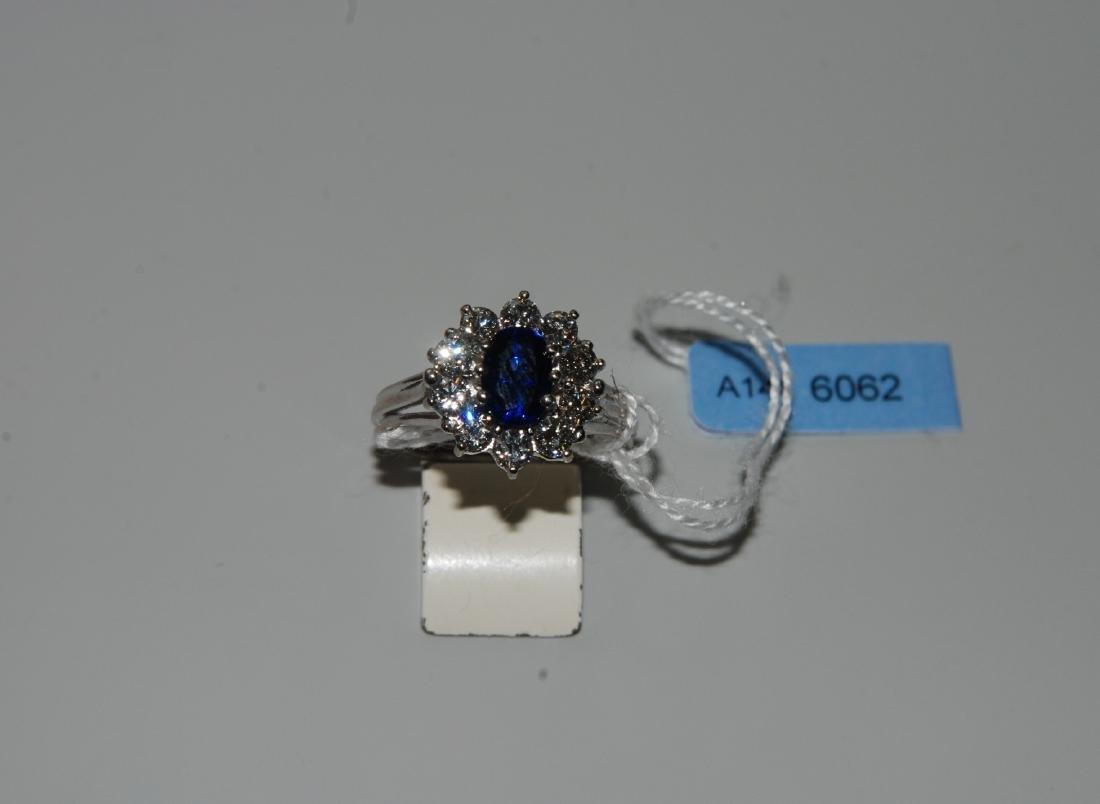 Saphir-Brillant-Ring 750 Weissgold. 1 ovaler Saphir ca.