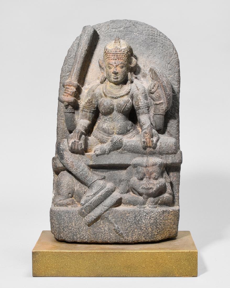Grosse Stele von Durga Indien, wohl 12.Jh. Sandstein.