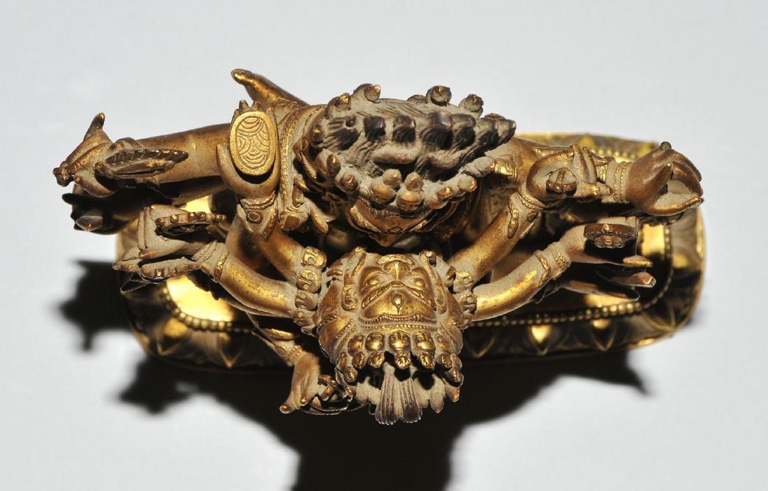 Mahakala in Yab-Yum Tibet. Feuervergoldete Bronze. Der - 6