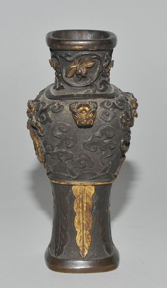 Kleine Henkelvase China, Qing-Dynastie. Bronze, - 5