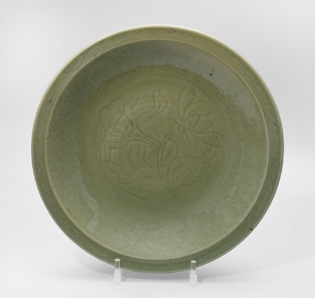 Grosse Longquan-Platte China, Ming-Dynastie. Celadon.