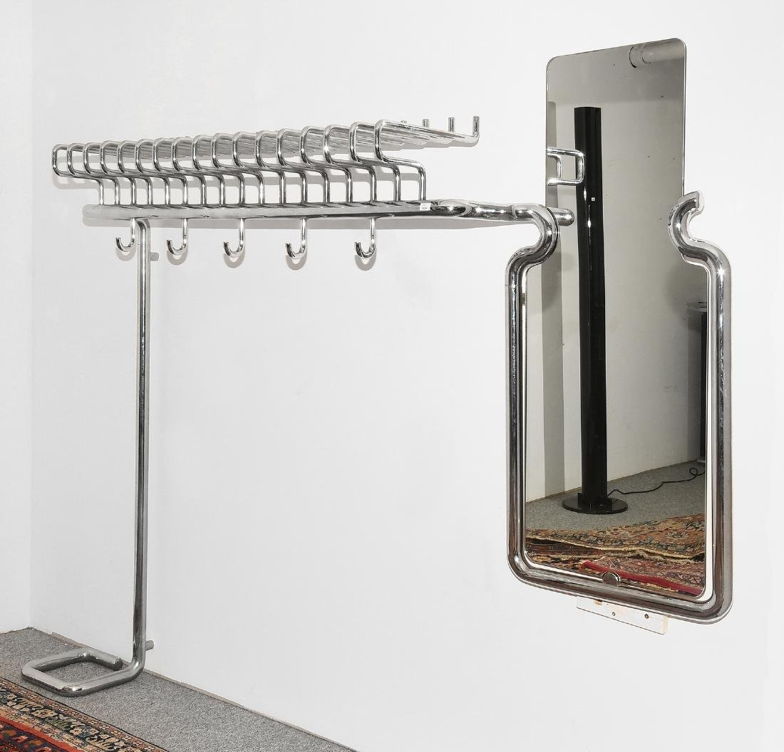 Garderobe 1960er Jahre. Mit Hutständer und Spiegel.