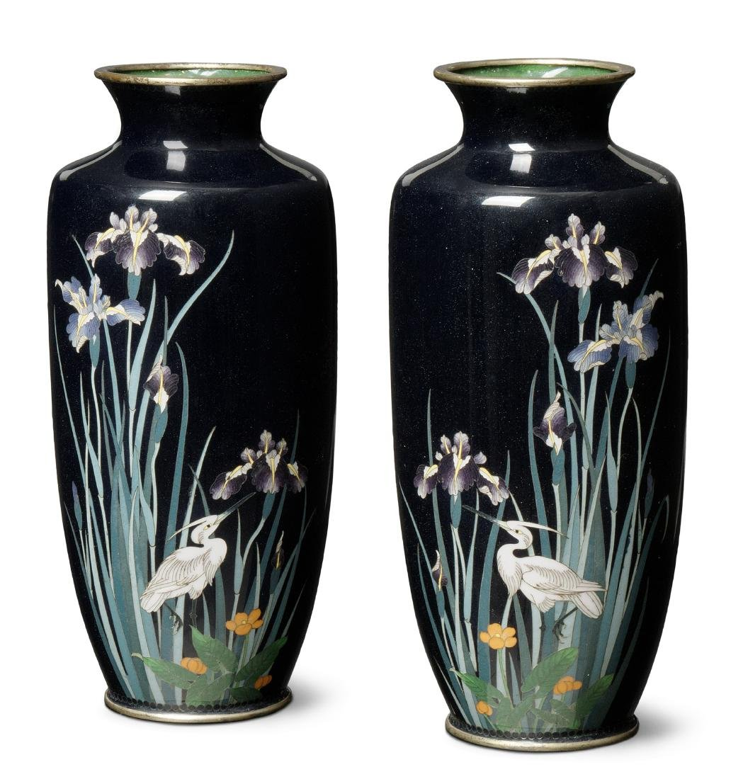 1 Paar Vasen Japan, Meiji-Zeit. Email cloisonné.
