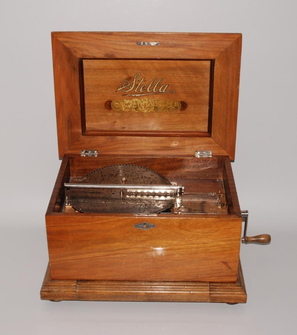"""Plattenspieldose """"Stella"""" Schweiz, um 1900. Hersteller:"""