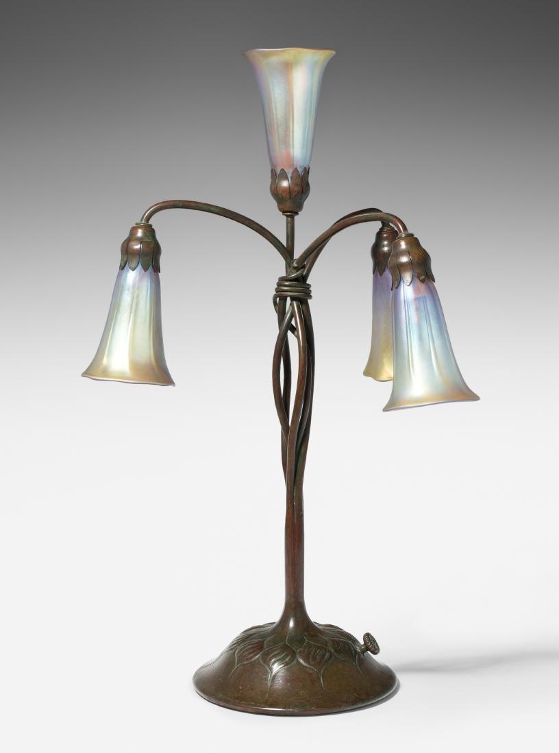 """Tischlampe, Tiffany Studios New York Um 1903. """"Lily"""