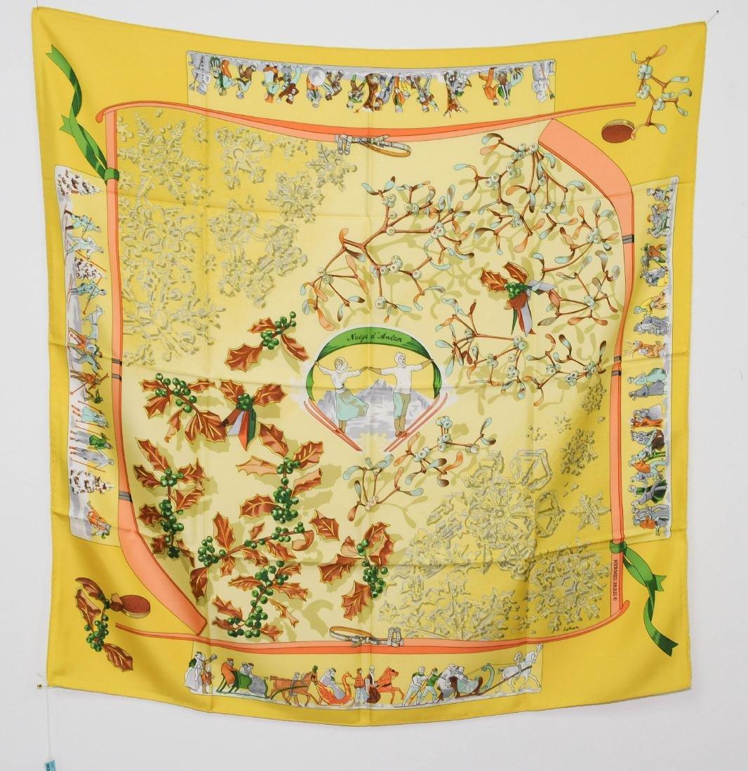 "Hermès, Carré ""Neige d'Antan"" Seide. In Gelb. 88x88 cm."