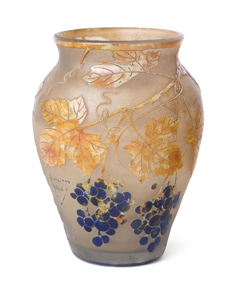 Vase, Daum Um 1910. Nancy. Farbloses Glas, umlaufend