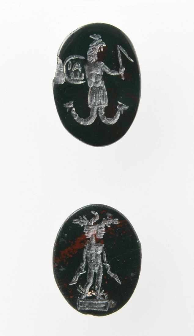 2 Intaglien Römisch, 2.Jh. n.C. Heliotrop, hochoval,