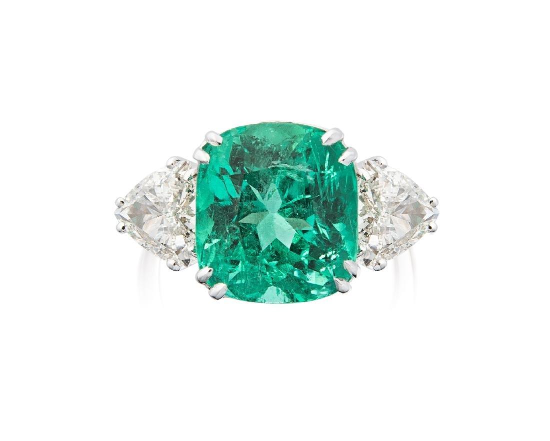 Smaragd-Diamant-Ring 750 Weissgold. 1 Smaragdkissen von