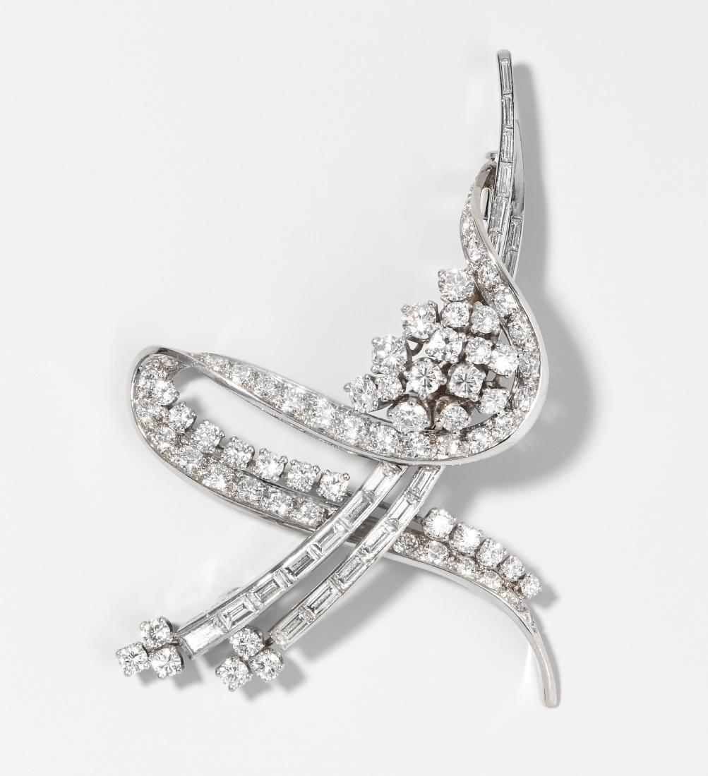 Diamant-Brosche Binder. 750 Weissgold. 68 Brillanten
