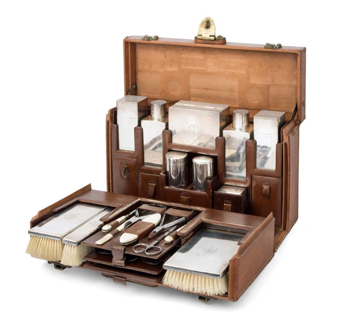 Louis Vuitton, Kosmetikkoffer Necessaire, wohl um 1930.