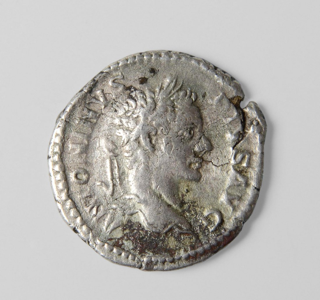 Silbermünze Nummi/Folles, Byzanz, um 320 n.Chr..