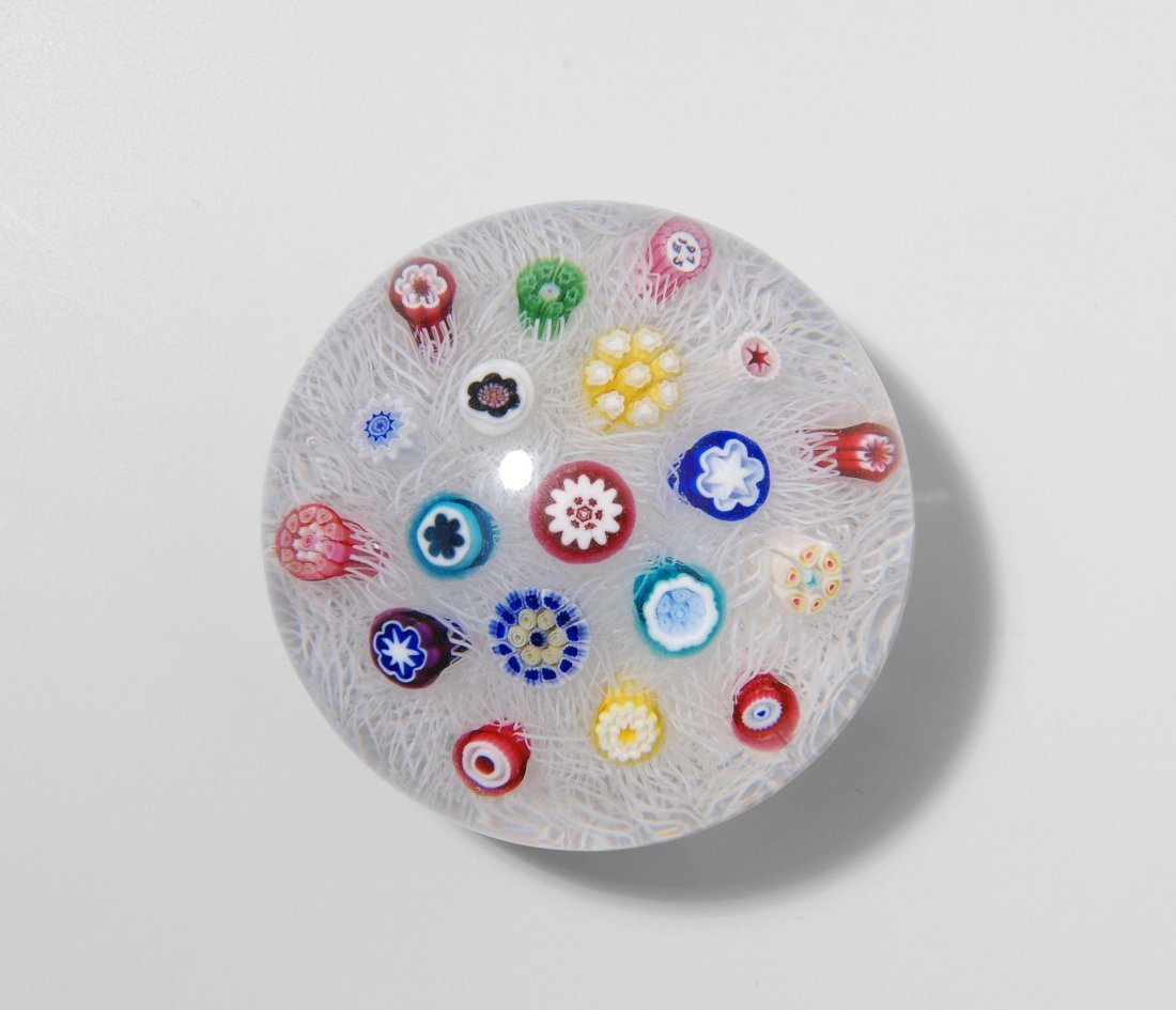 Paperweight, Baccarat, 1973 Farbloses Glaspolster mit