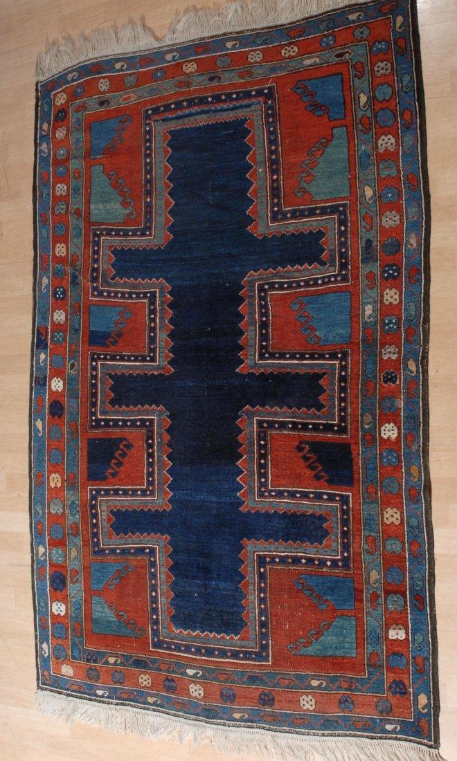 Kazak S-Kaukasus, um 1900. Im nachtblauen Innenfeld