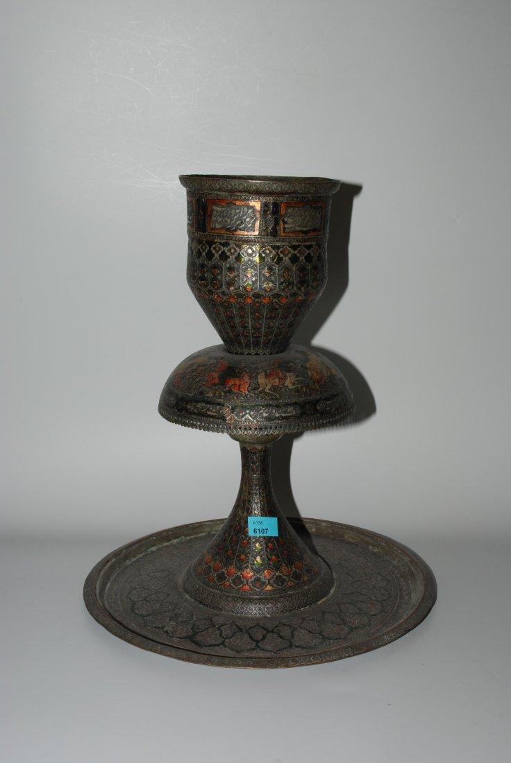 Kerzenstock oder Fackelständer Persisch. Kupfer,