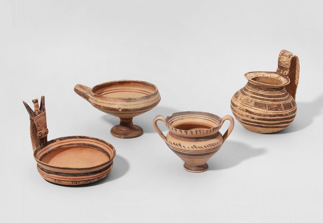 Lot: 4 daunische Vasen Daunisch, 6.–5.Jh. v. Chr.