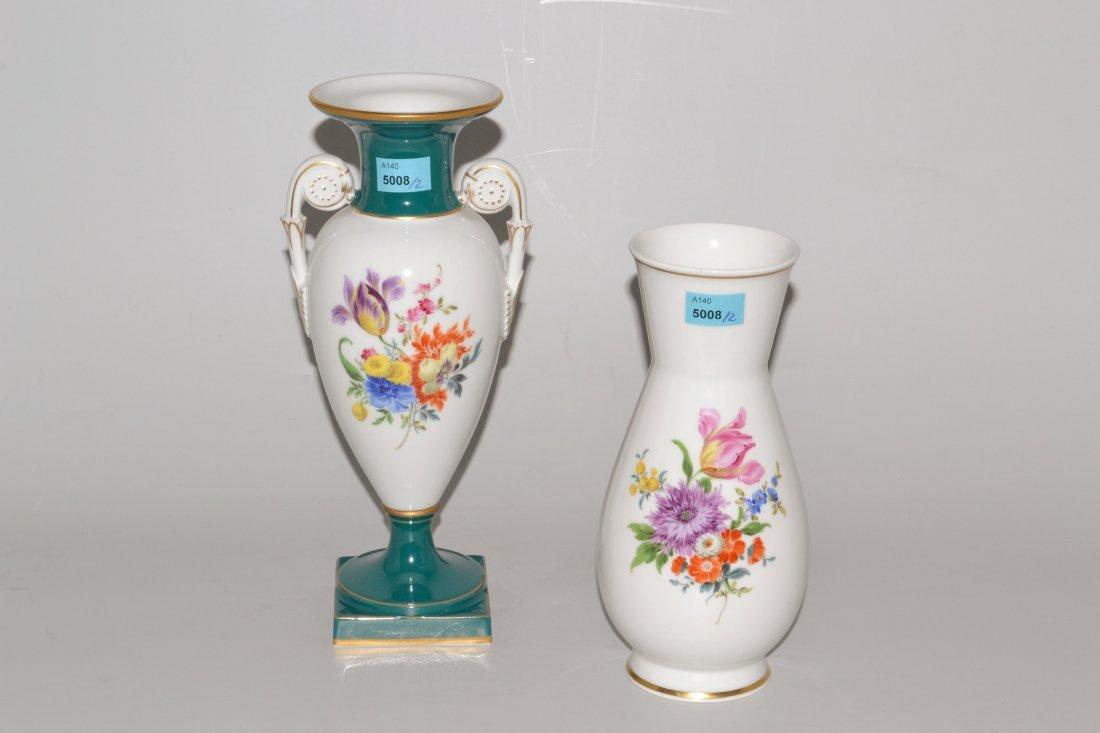 Lot: 2 Vasen, Meissen 20.Jh. Porzellan, verschieden in