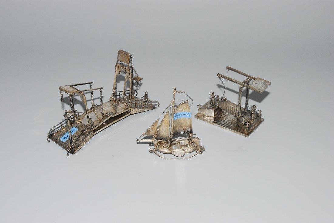 Lot: 3 Miniaturobjekte Holland, um 1900. Silber. 2