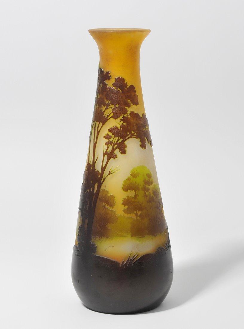 Vase, Emile Gallé Nancy. Farbloses opakes Glas, innen
