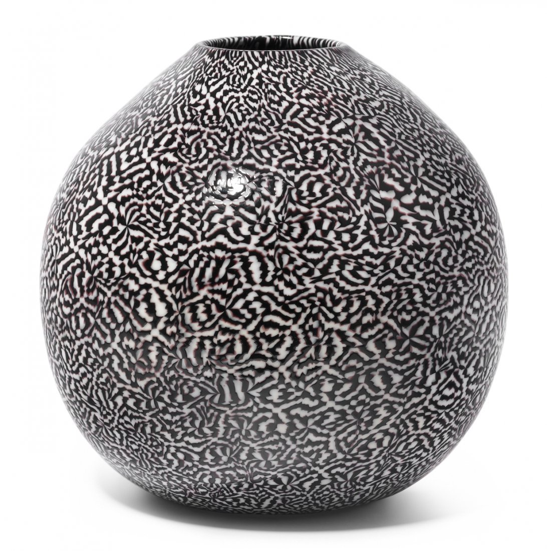 "Vase, Venini 2004. Murano. ""Dama"". Schwarz-weisses"