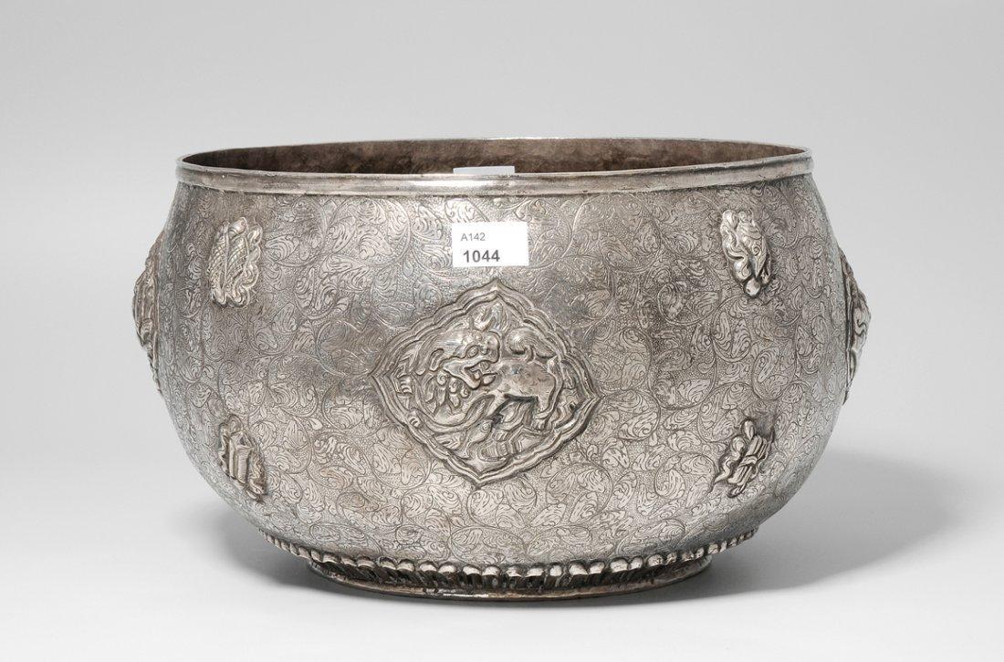 Grosse Bettelschale Tibet. Silber. Reliefiert mit