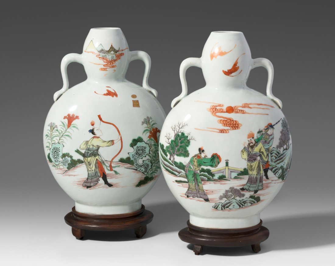 "1 Paar Mondflaschen, ""bian hu""  China, 19./20.Jh."