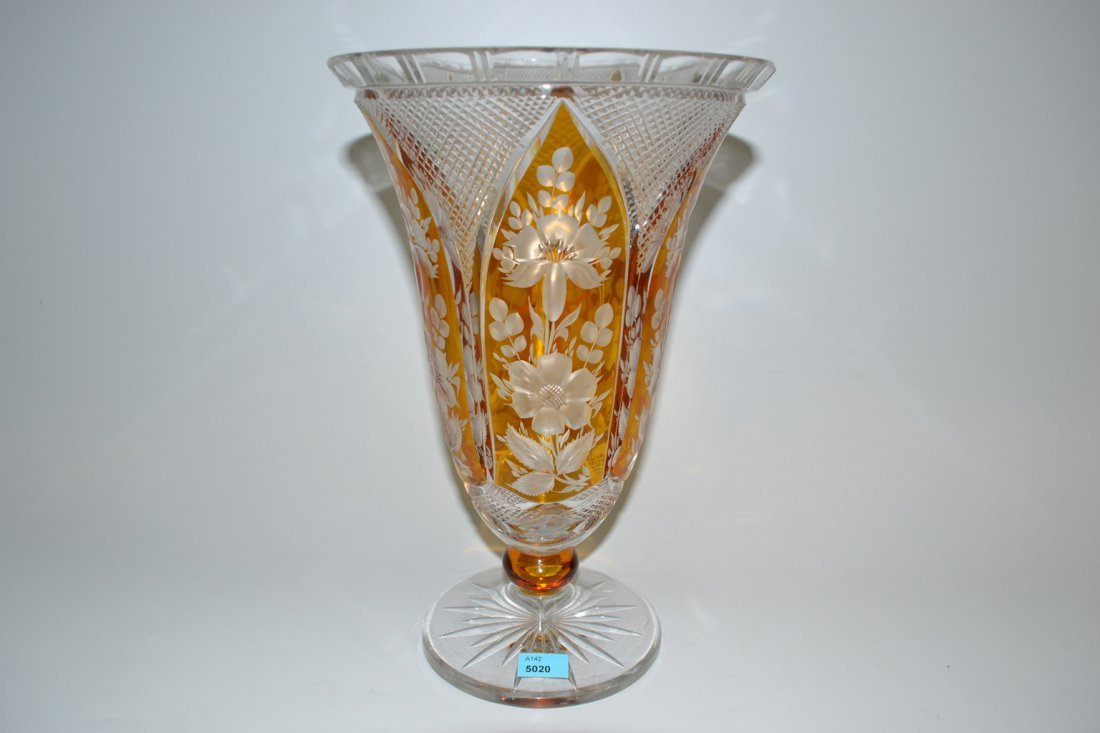 Fussvase Nach 1900. Farbloses Kristallglas, partiell