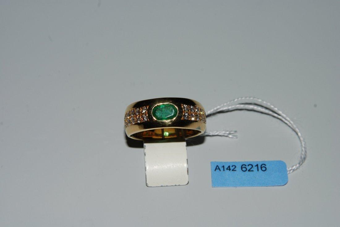 Smaragd-Brillant-Ring 750 Gelbgold. 1 ovaler Smaragd