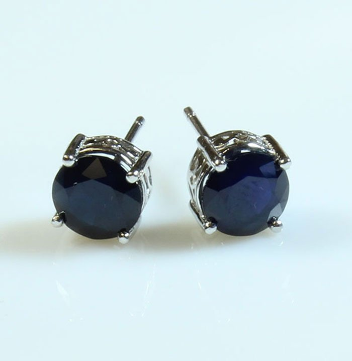 Natural Sapphire 9.00ctw Earring 14kt White Gold