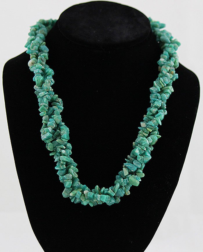 "18"" Twisted Mint Green Chipped Stone Necklace"