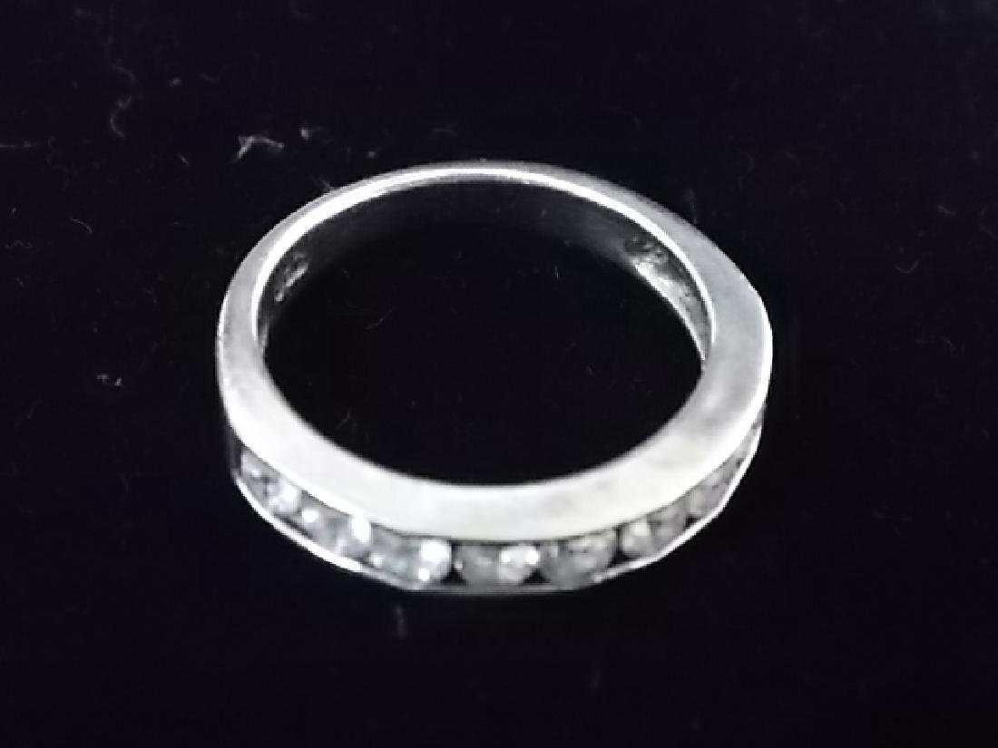 VINTAGE STERLING SILVER RING W/ FAUX DIAMONDS 3.3g