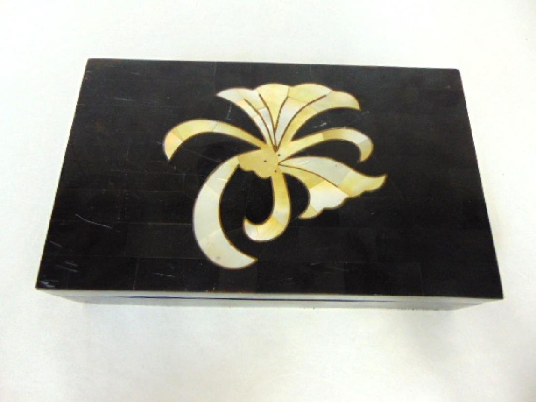 ART DECO VANITY BOX MADE OF HORN AND MOTHER OF PEARL - 3