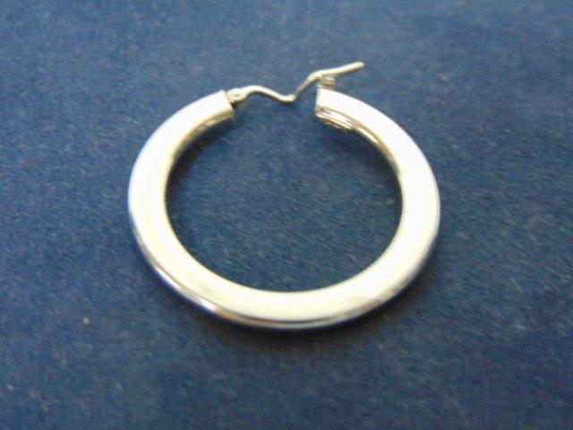 Womens Vintage Estate 18k White Gold Hoop Earring