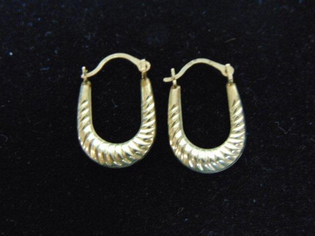 Womens Vintage 10K Gold Horseshoe Design Earrings