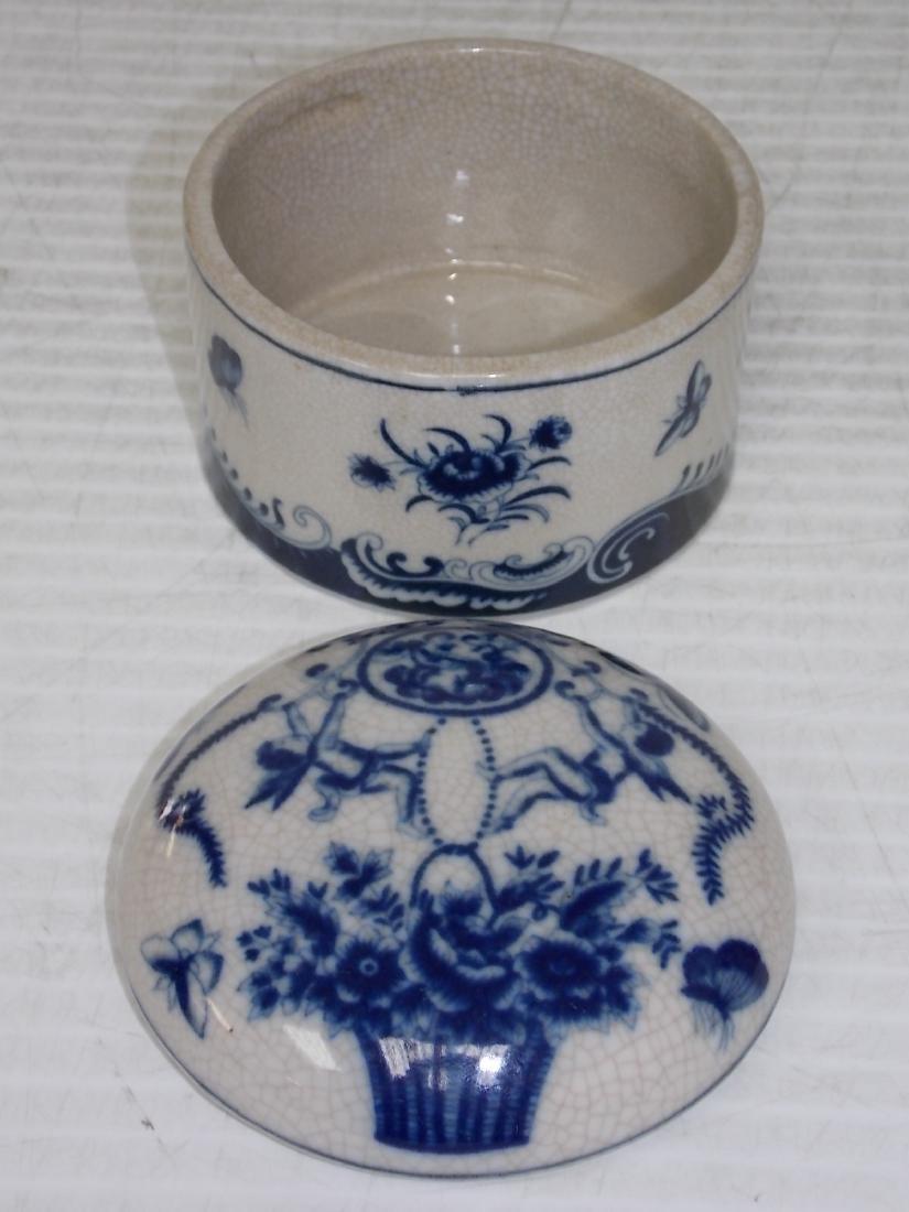 BLUE & WHITE FLORAL VICTORIAN STYLE PORCELAN VANITY BOX - 5
