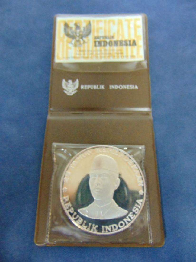 25th ANNIVERSARY 1970 SILVER 1000 RUPIAH COIN W/ CERT