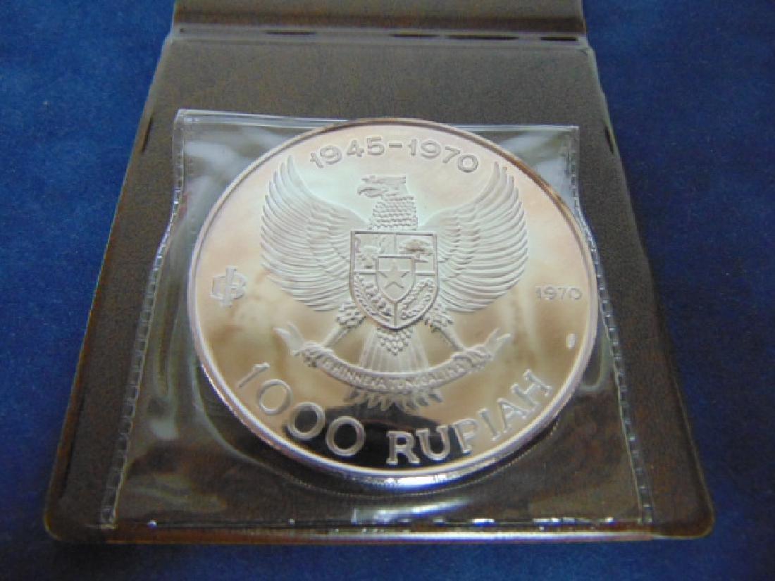 25th ANNIVERSARY 1970 SILVER 1000 RUPIAH COIN W/ CERT - 3