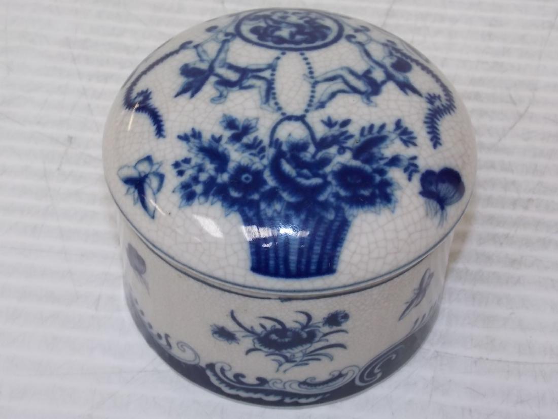 BLUE & WHITE FLORAL VICTORIAN STYLE PORCELAN VANITY BOX - 4
