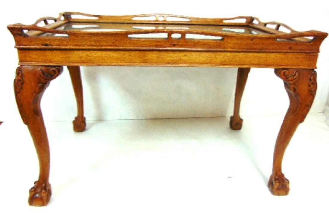 ANTIQUE MAHOGANY CHIPPENDALE STYLE BALL & CLAW TABLE