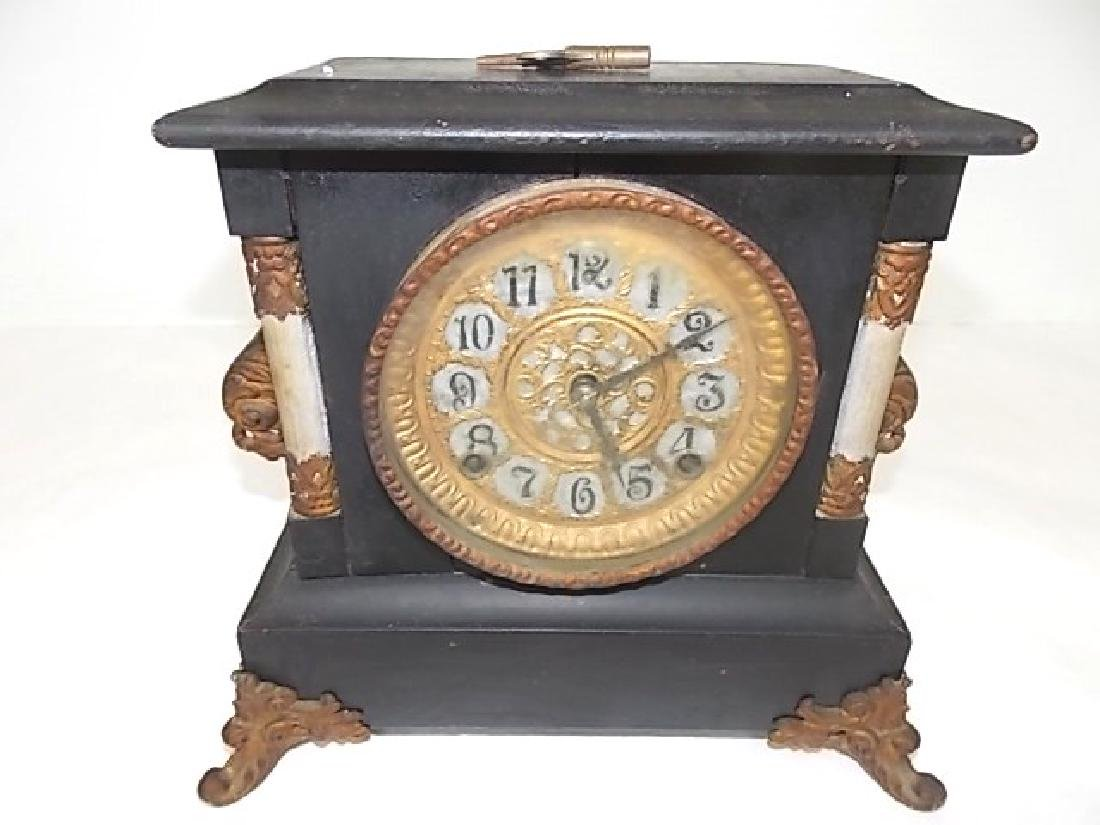 VINTAGE ANTIQUE GILBERT MANTLE CLOCK
