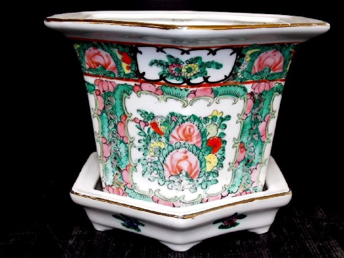 CHINESE FAMILLE ROSE PORCELAIN HEX PLANTER