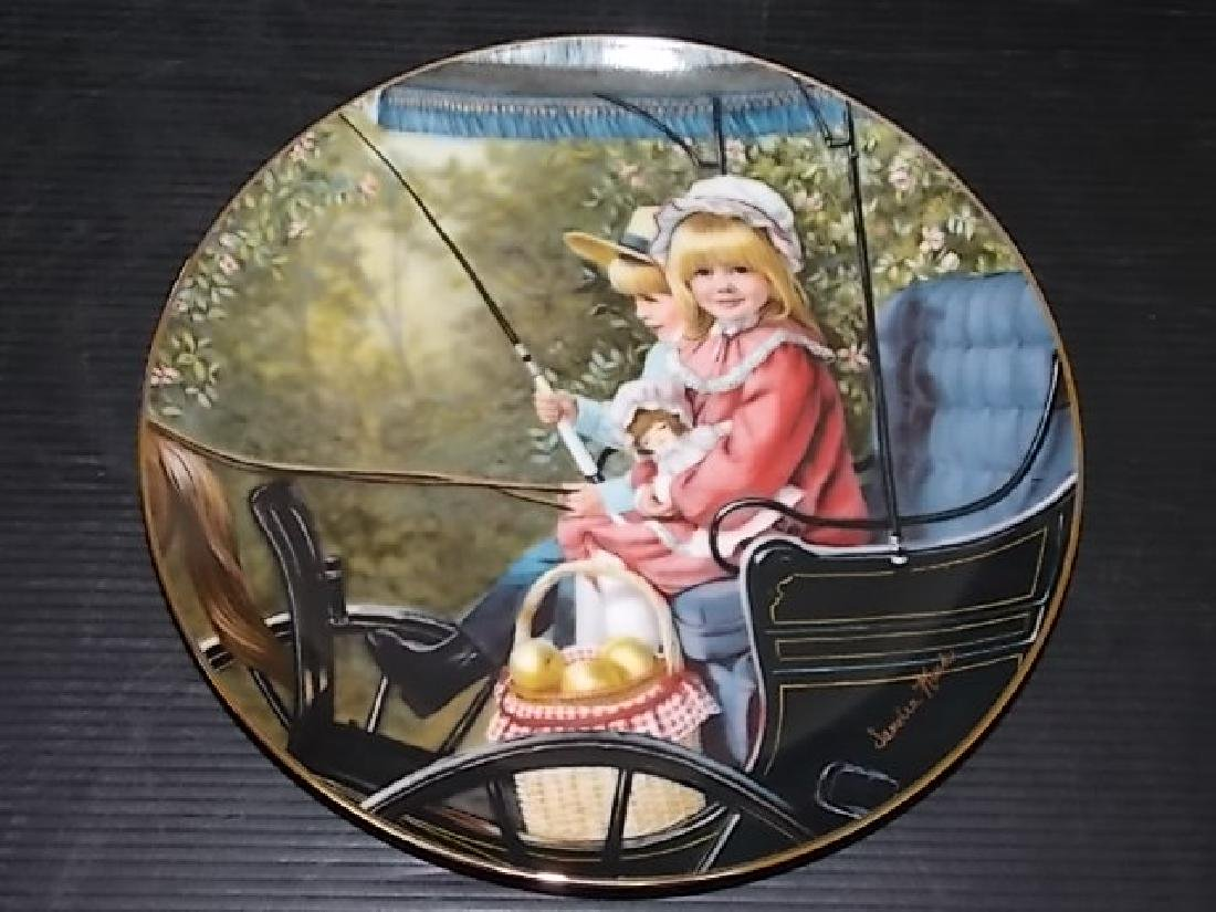 "1984 DAYS GONE BY COLLECTORS PLATE ""THE SURREY RIDE"""