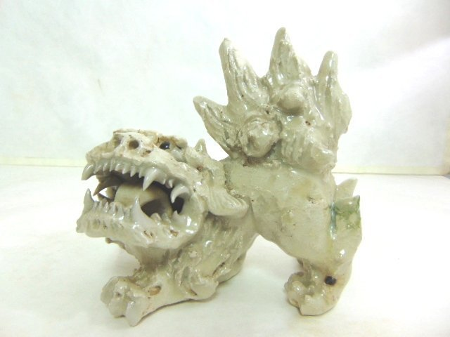 VINTAGE CHINESE FOO DOG FIGURE