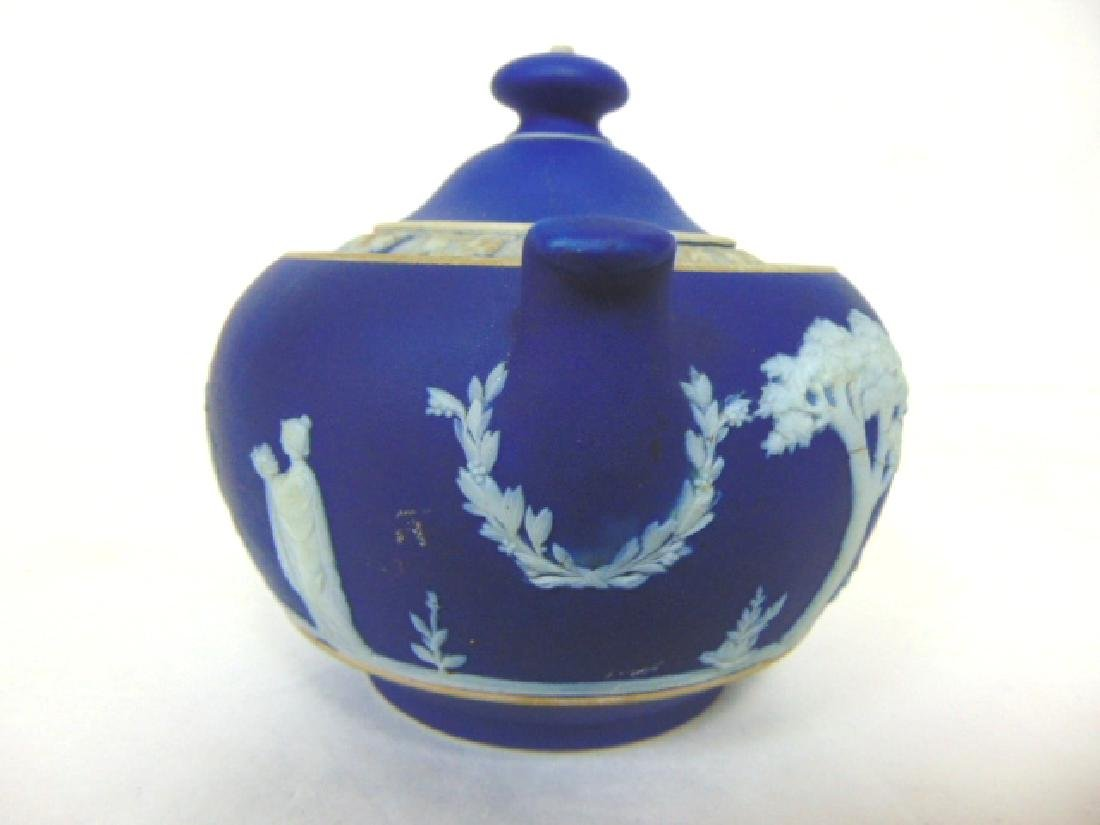 ANTIQUE WEDGWOOD PORCELAIN COBALT JASPERWARE CREAMER - 3