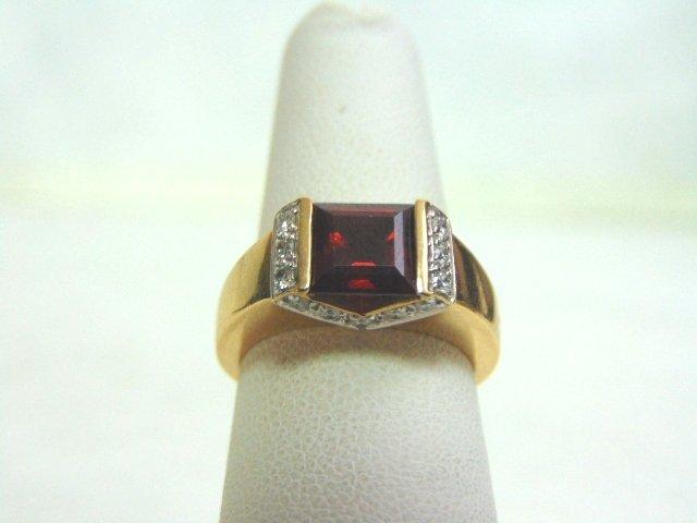 14k Yellow Gold Ring w/ Ruby & Diamonds