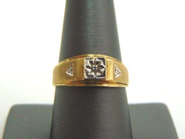 VINTAGE ESTATE 10K GOLD RING W/ DIAMOND CHIP 2.6g