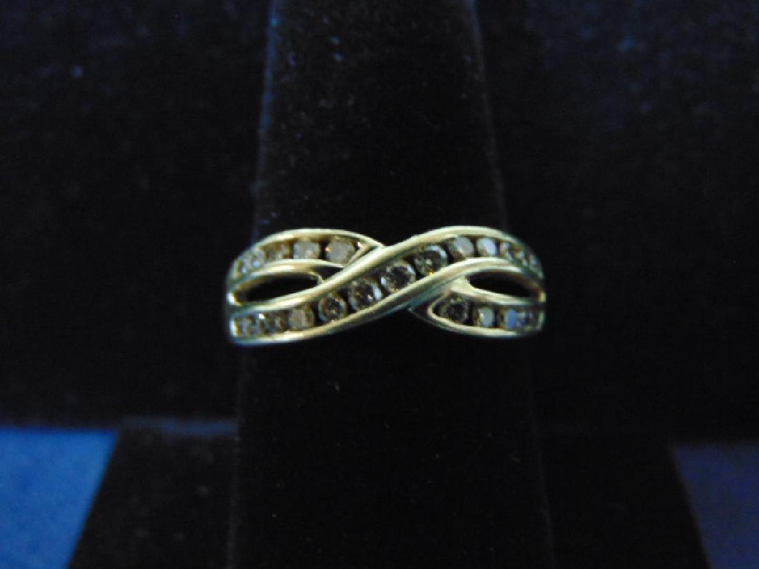 WOMENS VINTAGE ESTATE 10K GOLD RING W/ DIAMONDS 3.5g