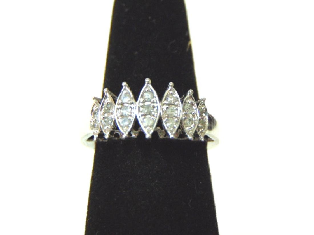 Vintage Estate 10K Gold Womens Ring w/ Diamonds